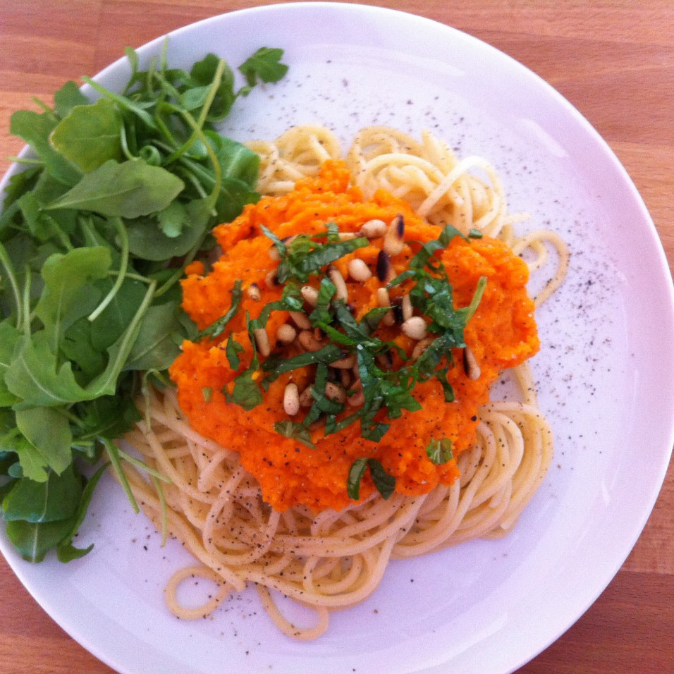 Spaghetti met worteltjessaus