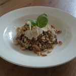 risotto met paddenstoelen en pijnboompitten