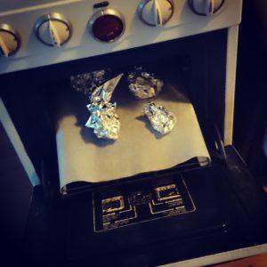 Gepofte knoflooksoep in de oven