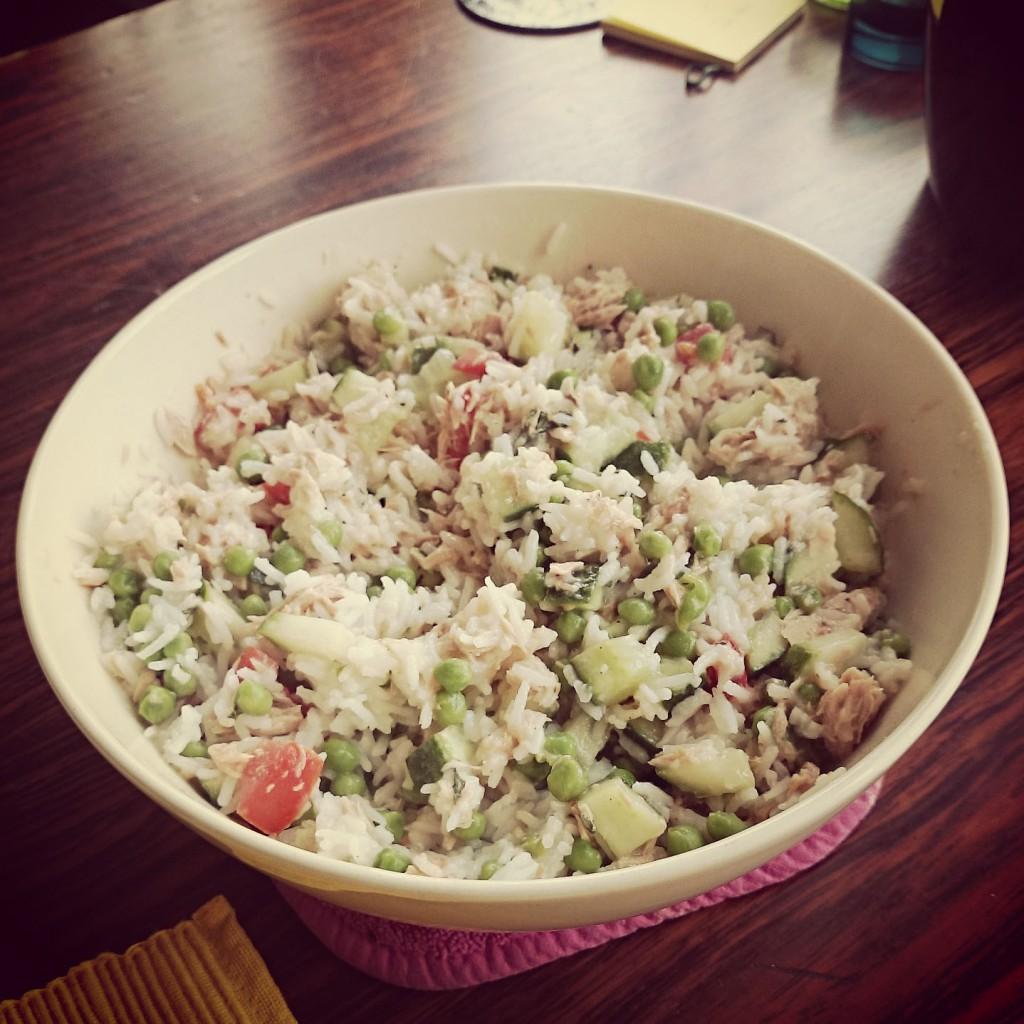 rijstsalade-met-tonijn-en-ansjovis