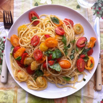 Pittige spaghetti met tomaatjes tricolore