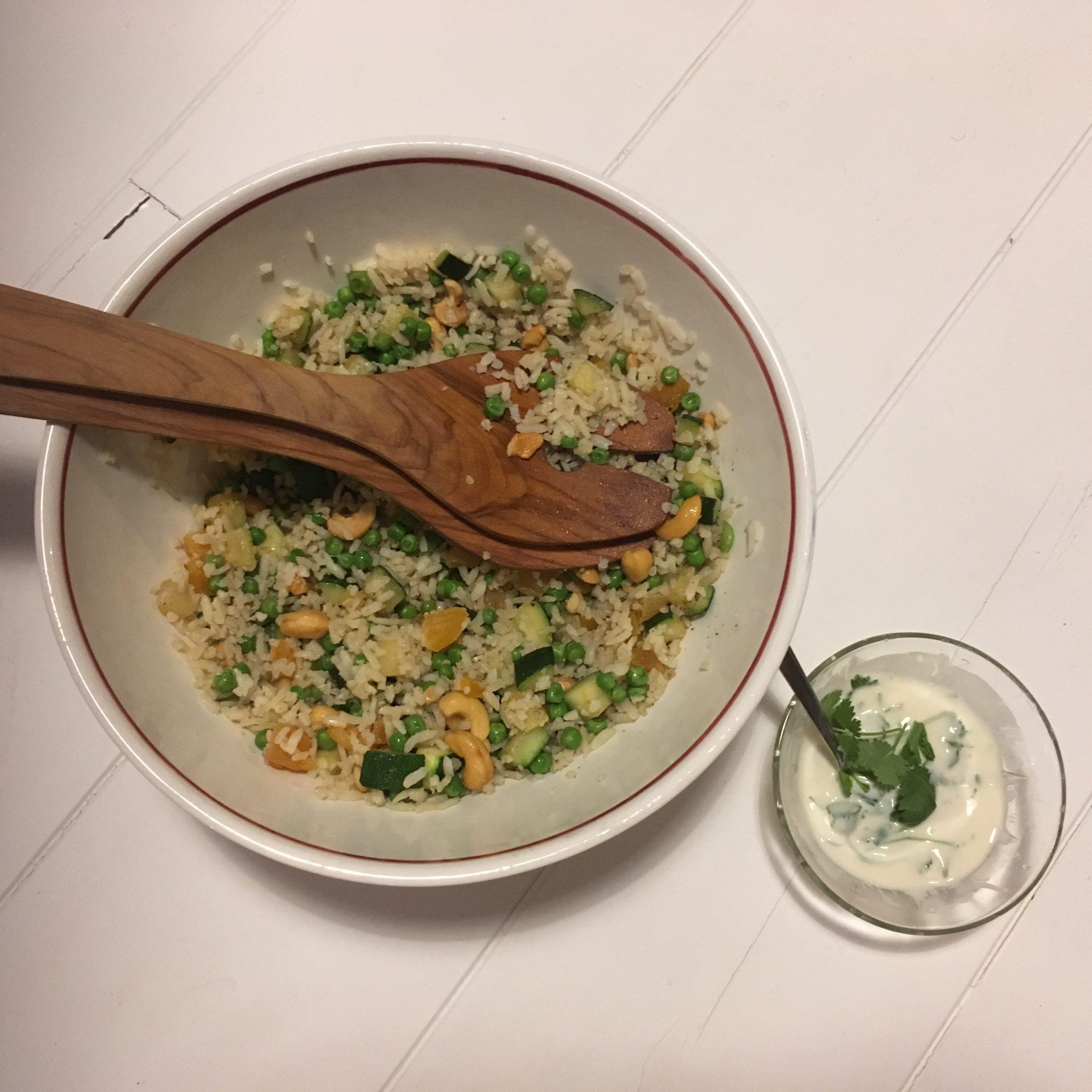 Rijstsalade met Courgette, Abrikozen en Cashewnoten
